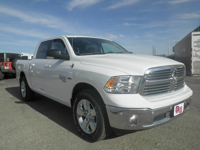 2019 Ram 1500 Crew Cab 4x2,  Pickup #D11346 - photo 4