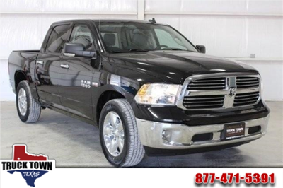 2016 Ram 1500 Crew Cab 4x2,  Pickup #GG306077 - photo 1