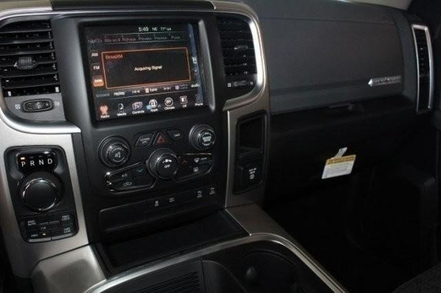 2016 Ram 1500 Crew Cab 4x4, Pickup #GS291679 - photo 10
