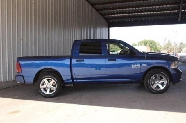 2017 Ram 1500 Crew Cab 4x2,  Pickup #HG708214 - photo 4