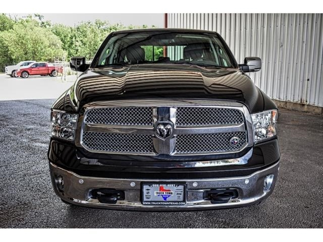 2018 Ram 1500 Crew Cab 4x2,  Pickup #JS238880 - photo 3