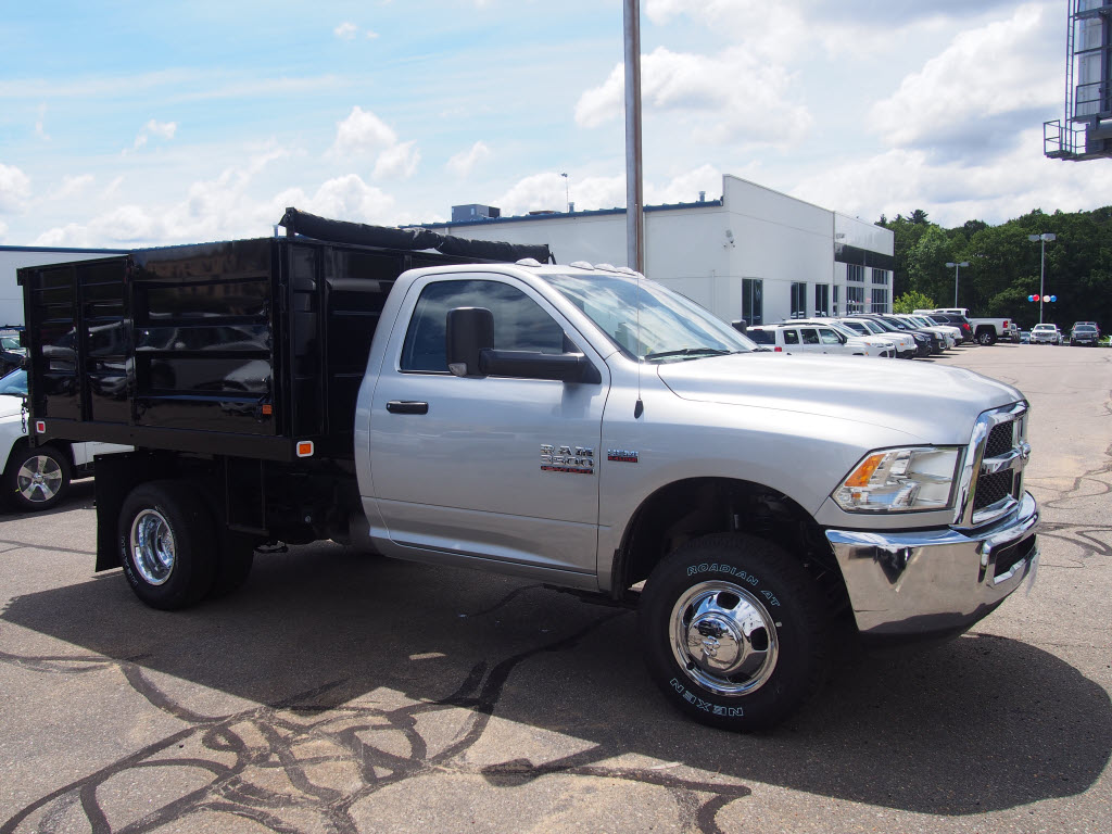 2016 Ram 3500 Regular Cab DRW 4x4, Landscape Dump #D16156 - photo 4