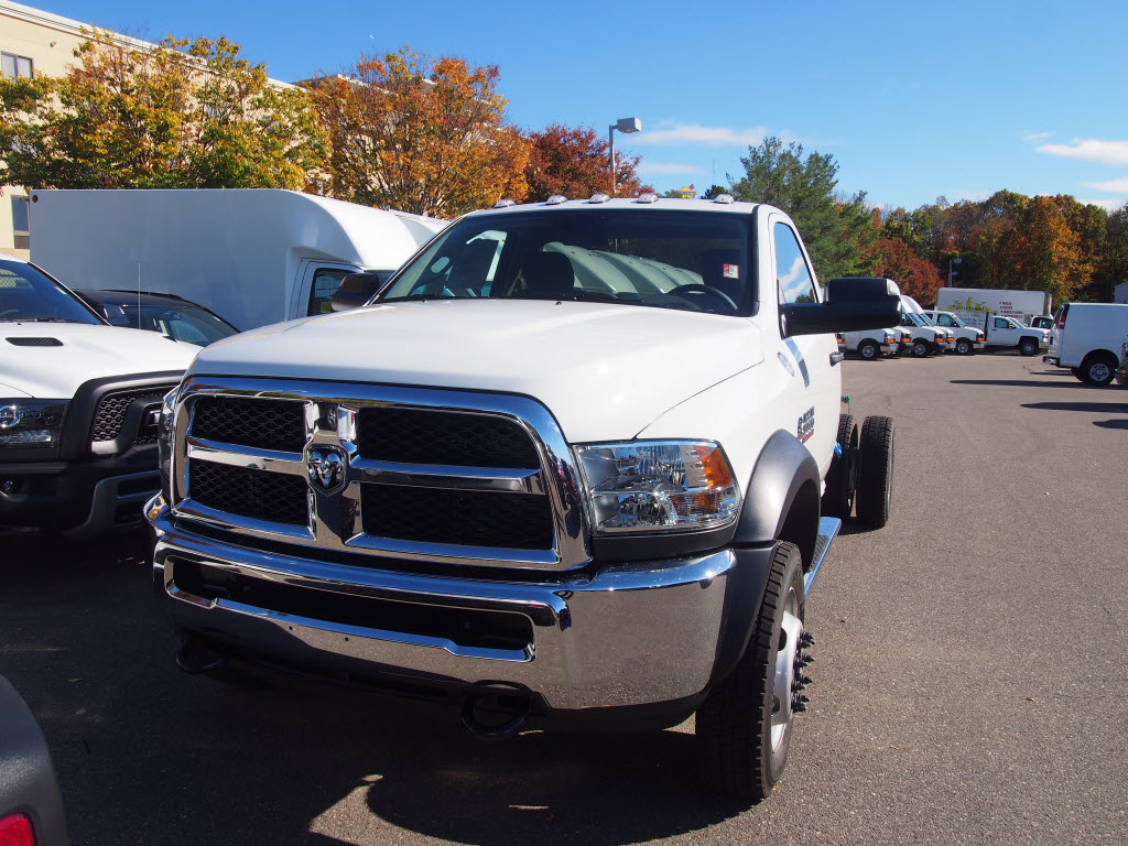2017 Ram 5500 Regular Cab DRW 4x4, Cab Chassis #D17025 - photo 3