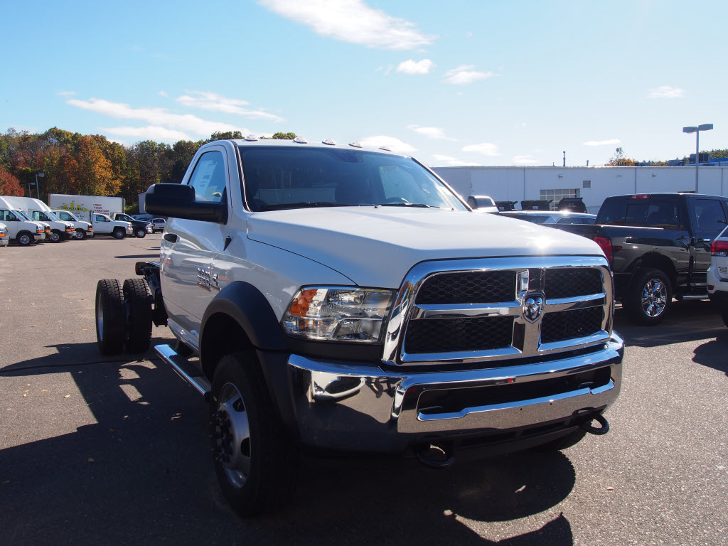 2017 Ram 5500 Regular Cab DRW 4x4, Cab Chassis #D17025 - photo 4