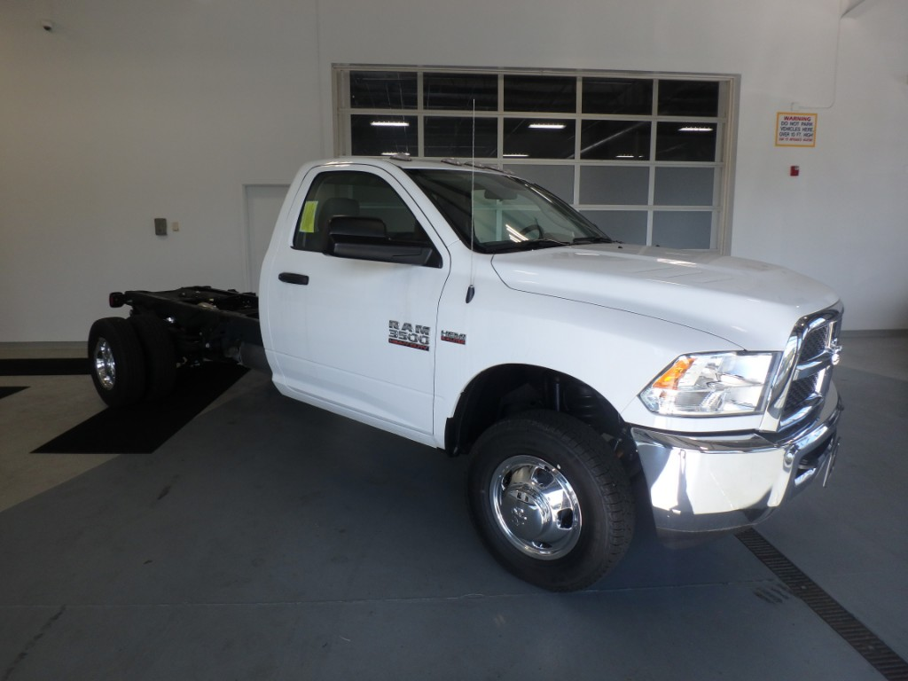 2017 Ram 3500 Regular Cab DRW 4x4 Cab Chassis #D17082 - photo 4
