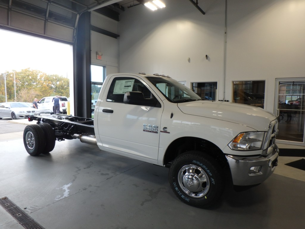 2018 Ram 3500 Regular Cab DRW 4x4 Cab Chassis #D18017 - photo 4