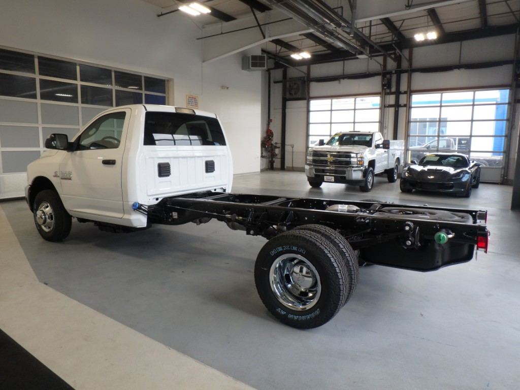 2018 Ram 3500 Regular Cab DRW 4x4 Cab Chassis #D18017 - photo 2