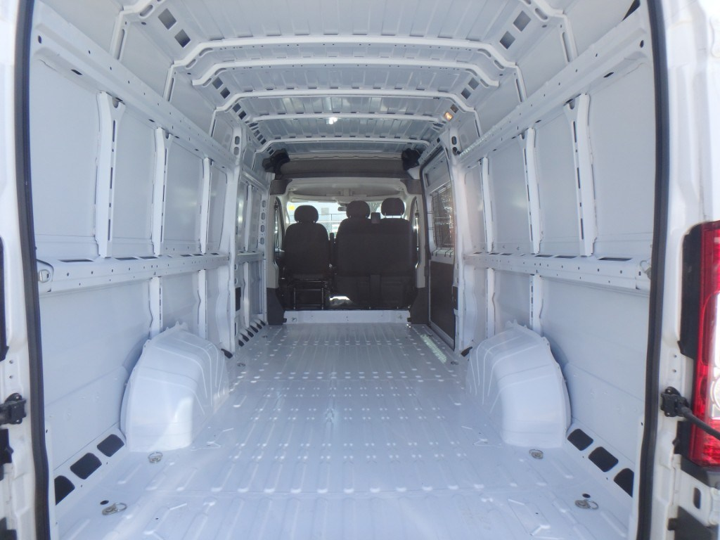2018 ProMaster 3500 High Roof, Cargo Van #D18028 - photo 2