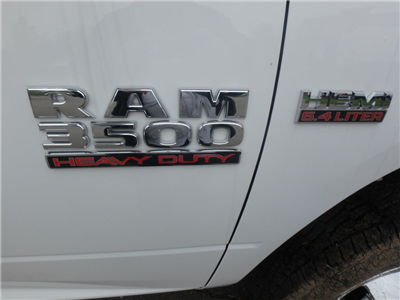 2018 Ram 3500 Regular Cab DRW 4x4, Cab Chassis #D18107 - photo 4