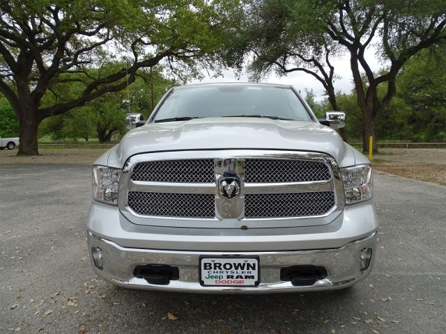 2017 Ram 1500 Crew Cab 4x4 Pickup #D15087 - photo 4