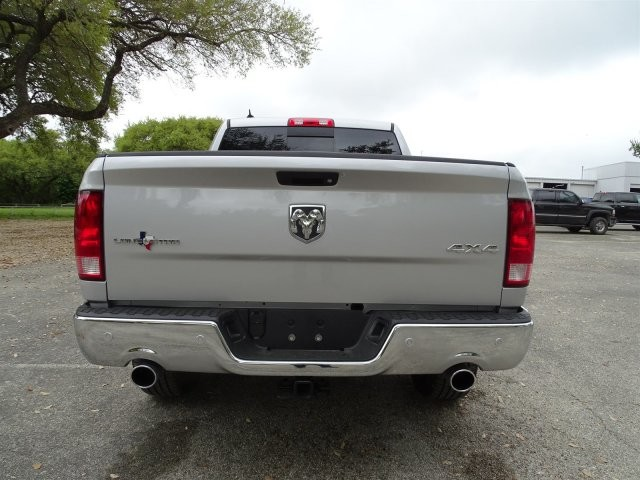 2017 Ram 1500 Crew Cab 4x4 Pickup #D15087 - photo 8