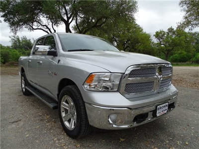 2017 Ram 1500 Crew Cab 4x4 Pickup #D15087 - photo 3