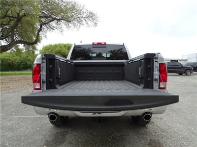 2017 Ram 1500 Crew Cab 4x4 Pickup #D15087 - photo 15