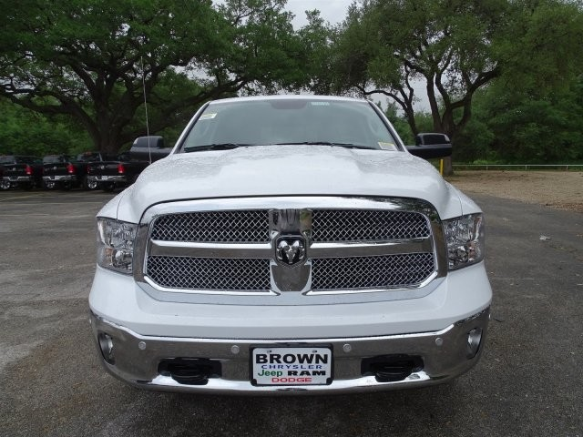 2017 Ram 1500 Crew Cab Pickup #D15155 - photo 4