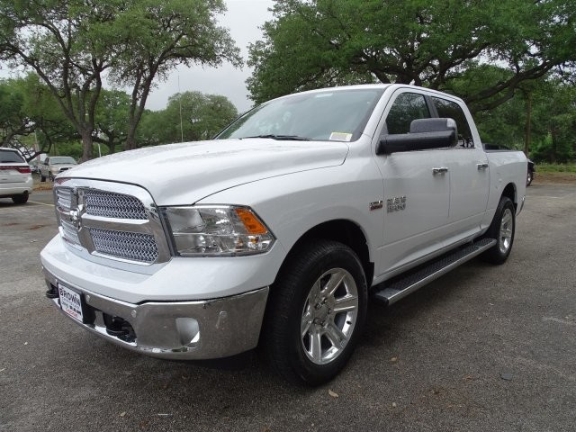 2017 Ram 1500 Crew Cab Pickup #D15155 - photo 5