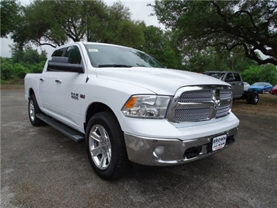 2017 Ram 1500 Crew Cab Pickup #D15155 - photo 3