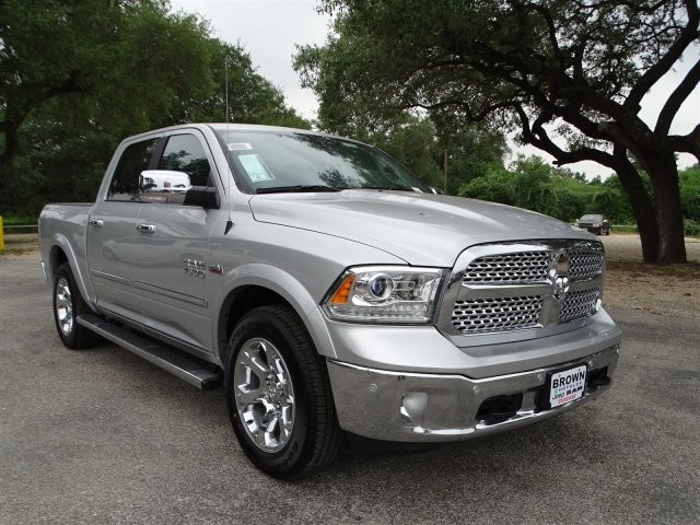 2017 Ram 1500 Crew Cab, Pickup #D15212 - photo 3