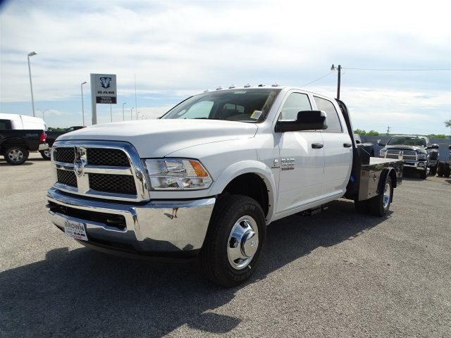 2017 Ram 3500 Crew Cab DRW 4x4, Platform Body #D15268 - photo 3