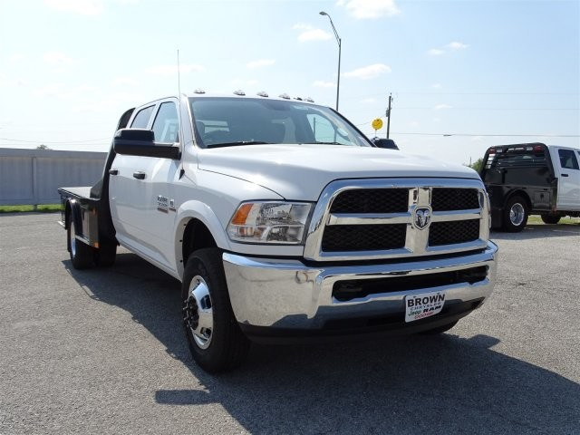 2017 Ram 3500 Crew Cab DRW 4x4, Platform Body #D15286 - photo 3
