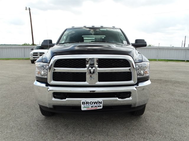 2017 Ram 3500 Crew Cab DRW 4x4, Platform Body #D15288 - photo 4