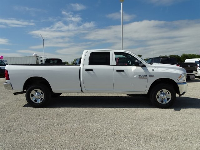 2018 Ram 3500 Crew Cab 4x4 Pickup #D15467 - photo 7