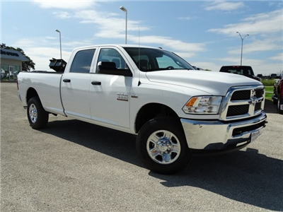 2018 Ram 3500 Crew Cab 4x4, Pickup #D15467 - photo 3