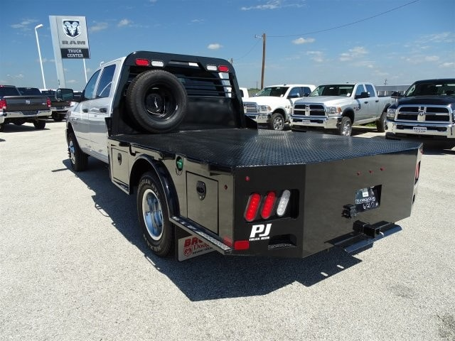 2017 Ram 3500 Crew Cab DRW 4x4, Platform Body #D15516 - photo 4