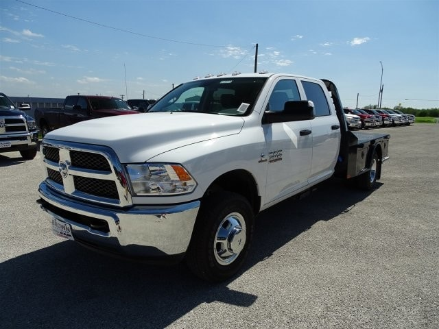 2017 Ram 3500 Crew Cab DRW 4x4, Platform Body #D15518 - photo 3
