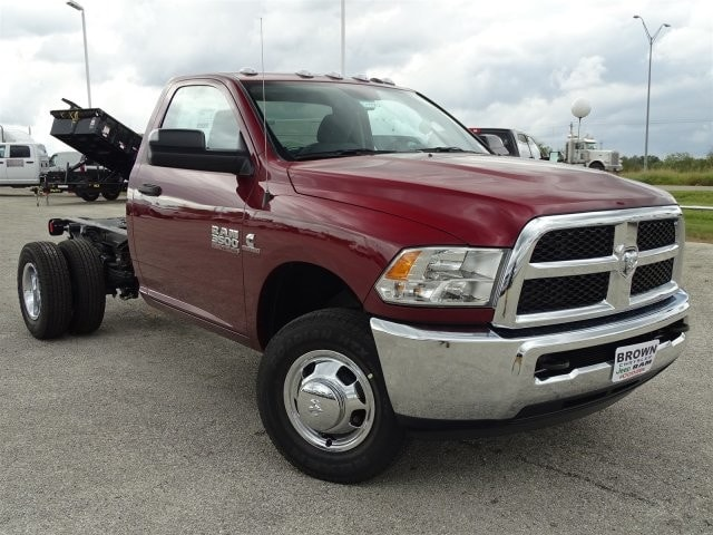 2018 Ram 3500 Regular Cab DRW 4x4 Cab Chassis #D15552 - photo 3