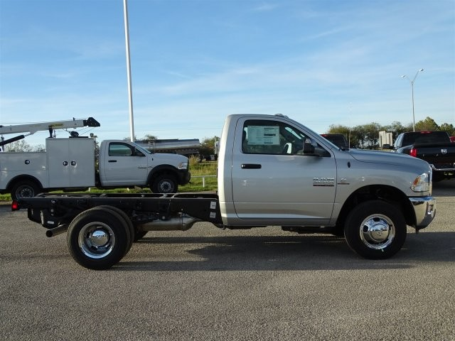 2018 Ram 3500 Regular Cab DRW 4x4, Cab Chassis #D15576 - photo 9