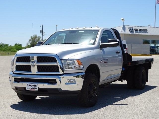2018 Ram 3500 Regular Cab DRW 4x4,  Platform Body #D15576 - photo 5