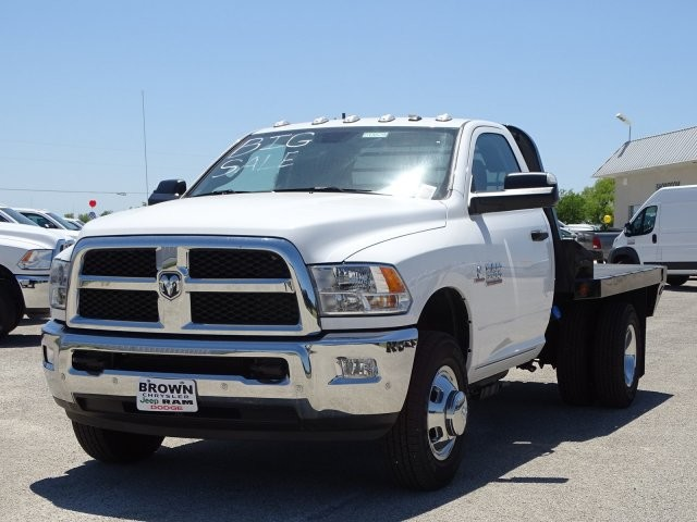 2018 Ram 3500 Regular Cab DRW 4x4, Platform Body #D15579 - photo 6