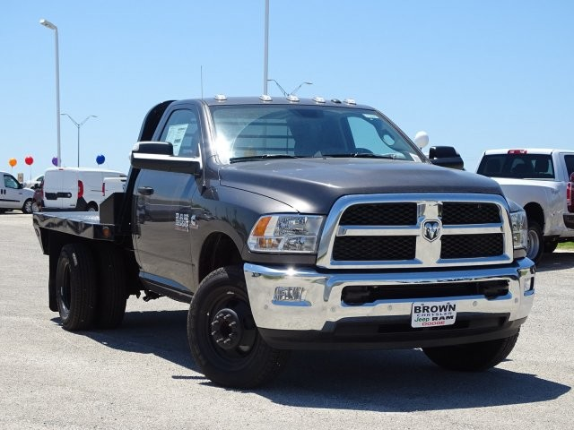 2018 Ram 3500 Regular Cab DRW 4x4,  Platform Body #D15591 - photo 3