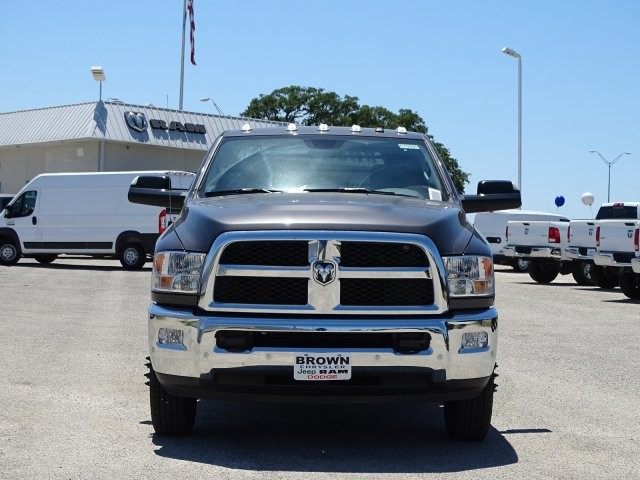 2018 Ram 3500 Regular Cab DRW 4x4,  Platform Body #D15591 - photo 4