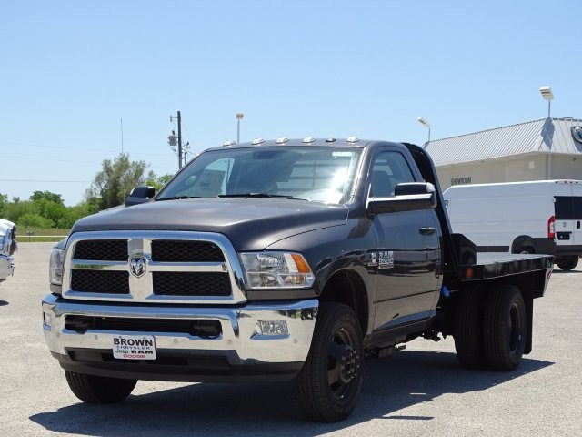 2018 Ram 3500 Regular Cab DRW 4x4, Platform Body #D15591 - photo 5