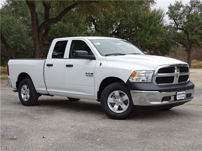 2018 Ram 1500 Quad Cab, Pickup #D15609 - photo 3