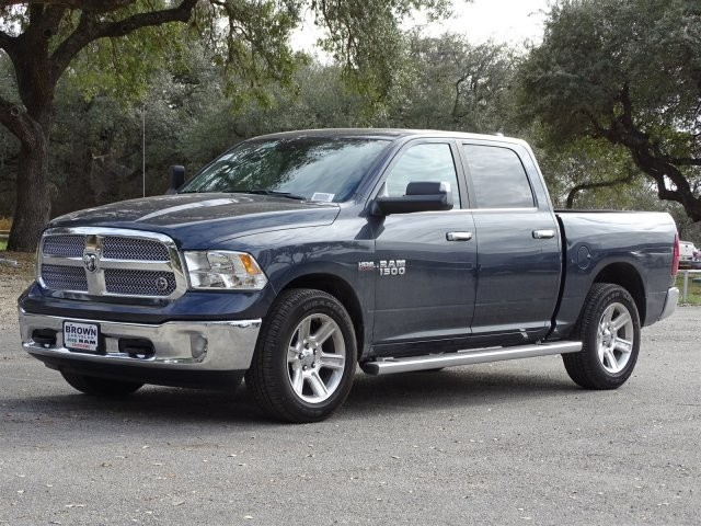 2018 Ram 1500 Crew Cab, Pickup #D15637 - photo 5