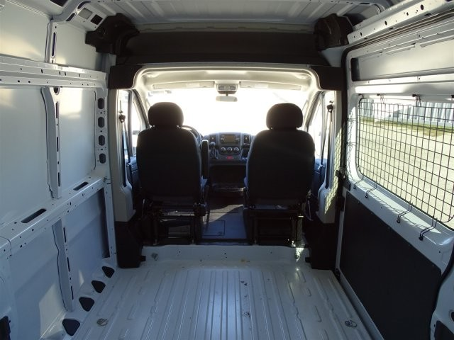 2018 ProMaster 2500 High Roof 4x2,  Empty Cargo Van #D15650 - photo 2
