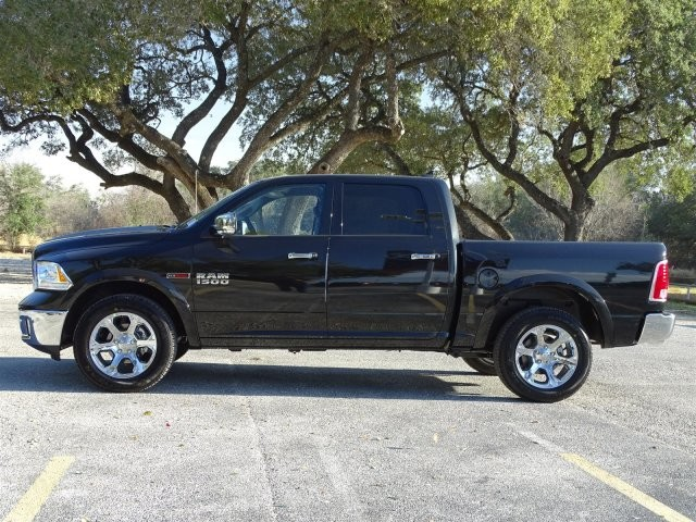 2017 Ram 1500 Crew Cab 4x4, Pickup #D15660 - photo 6