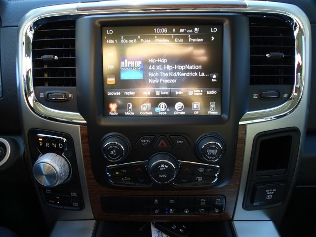 2017 Ram 1500 Crew Cab 4x4, Pickup #D15660 - photo 13