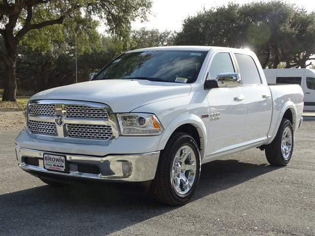 2017 Ram 1500 Crew Cab 4x4, Pickup #D15661 - photo 5