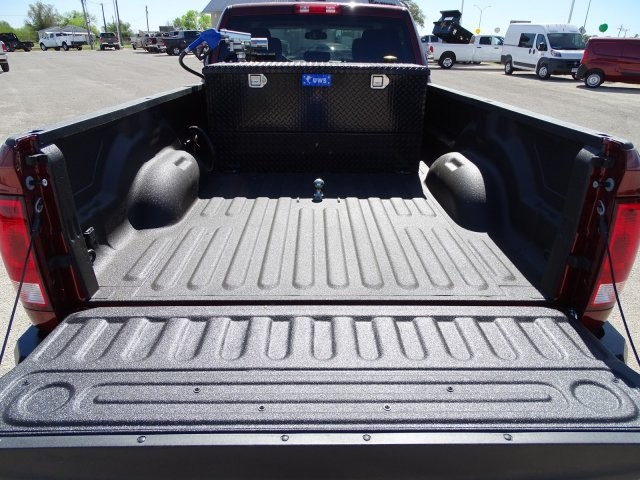 2018 Ram 3500 Crew Cab DRW 4x4, Pickup #D15710 - photo 9