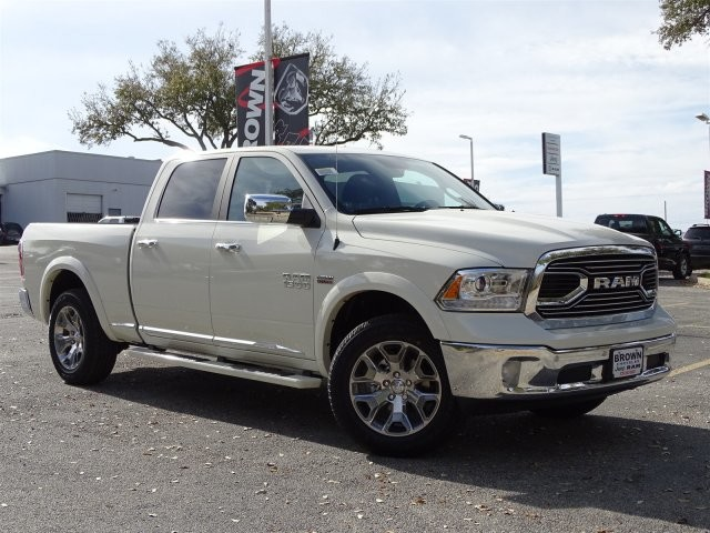 2018 Ram 1500 Crew Cab, Pickup #D15717 - photo 3