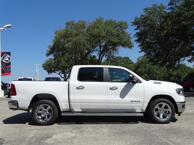 2019 Ram 1500 Crew Cab 4x2,  Pickup #D15813 - photo 3