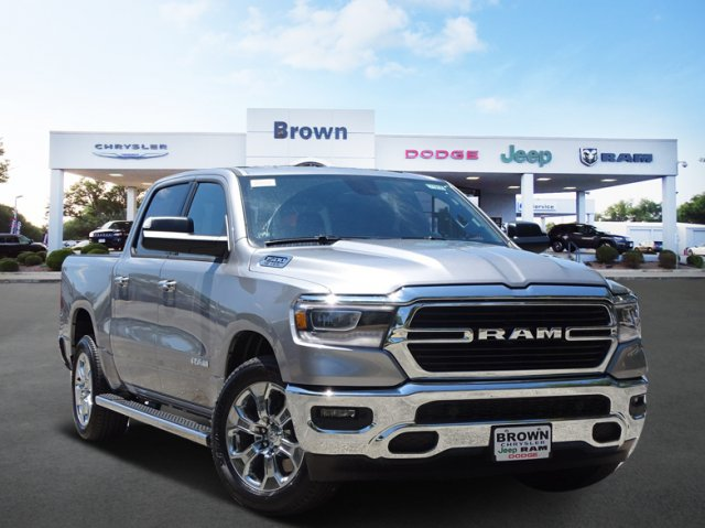 2019 Ram 1500 Crew Cab 4x2,  Pickup #D15835 - photo 1
