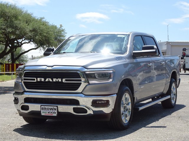 2019 Ram 1500 Crew Cab 4x2,  Pickup #D15835 - photo 5