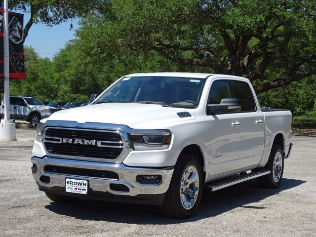 2019 Ram 1500 Crew Cab 4x2,  Pickup #D15849 - photo 5