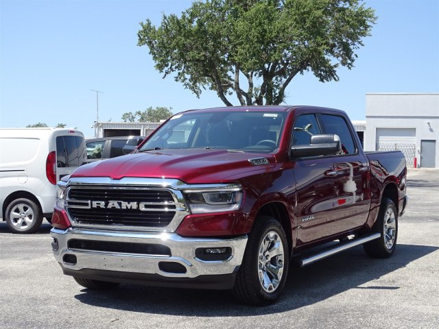 2019 Ram 1500 Crew Cab 4x2,  Pickup #D15927 - photo 4