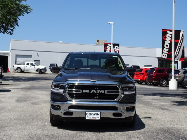 2019 Ram 1500 Crew Cab 4x2,  Pickup #D15934 - photo 3