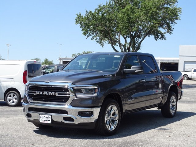 2019 Ram 1500 Crew Cab 4x2,  Pickup #D15934 - photo 4